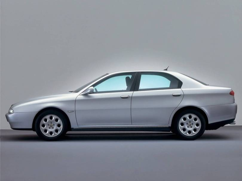 Left side view of silver Alfa Romeo 166 Car Alfa Romeo 166 Car Wallpaper
