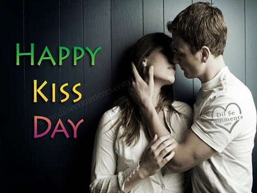 Lovely Happy Kiss Day Greetings Picture