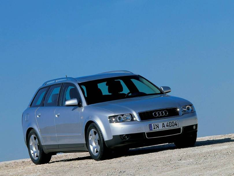 Mind Blowing look of silver Audi A4 Avant Car