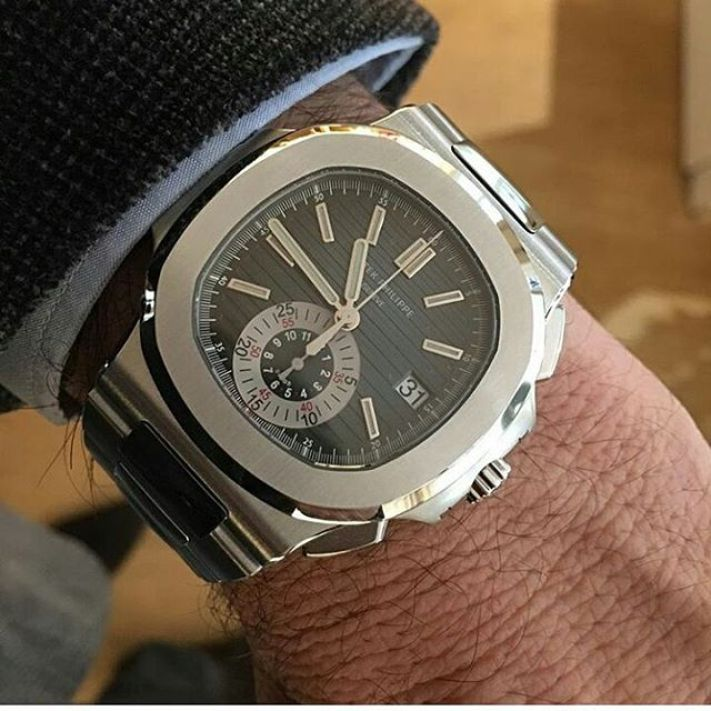 Nice Silver Patek Philippe Platinum Dial Watch For Businessmen