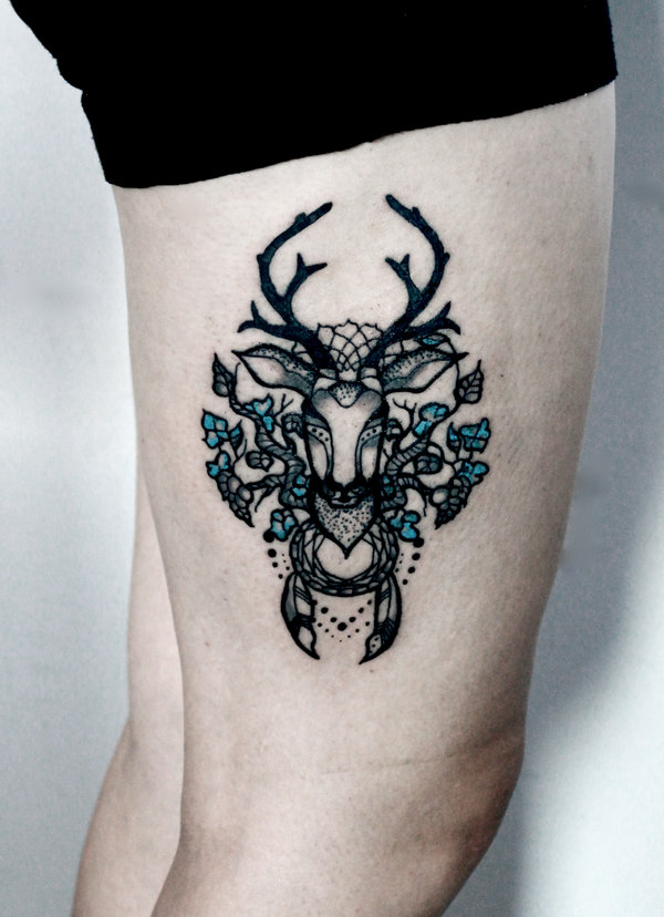 Sensation Blue And Black Color Ink Deer Tattoo On Right Thigh For Girls