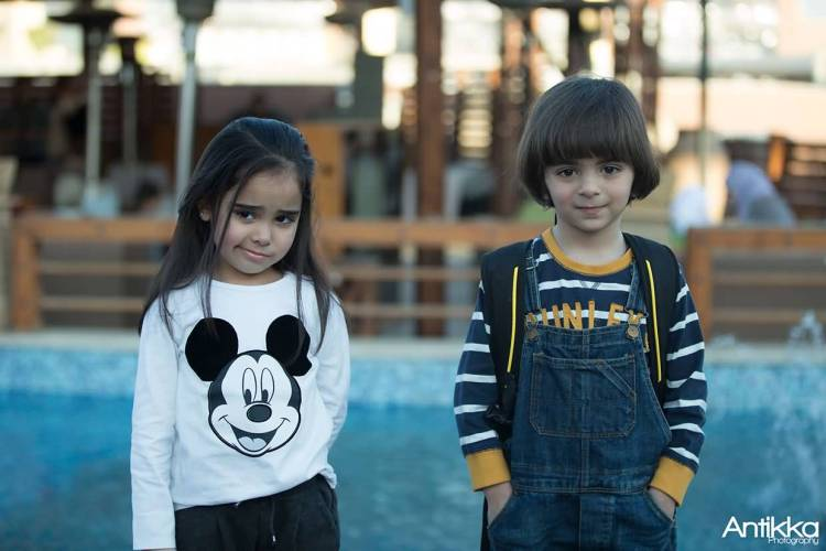 Very Cute Two Small Boy And A Girl Full HD Wallpaper