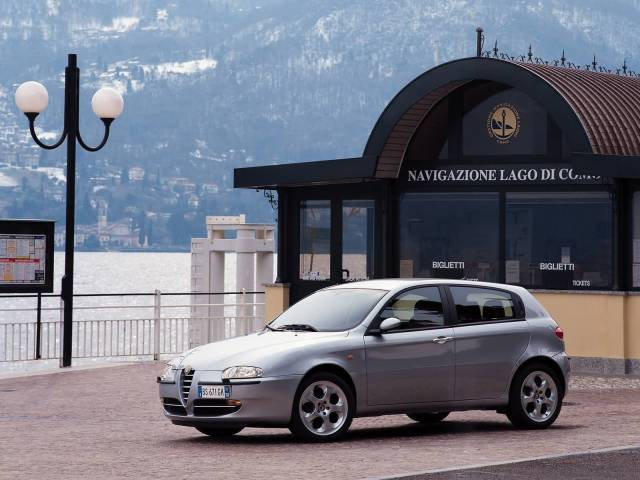 Very beautiful silver Alfa Romeo 147 Car