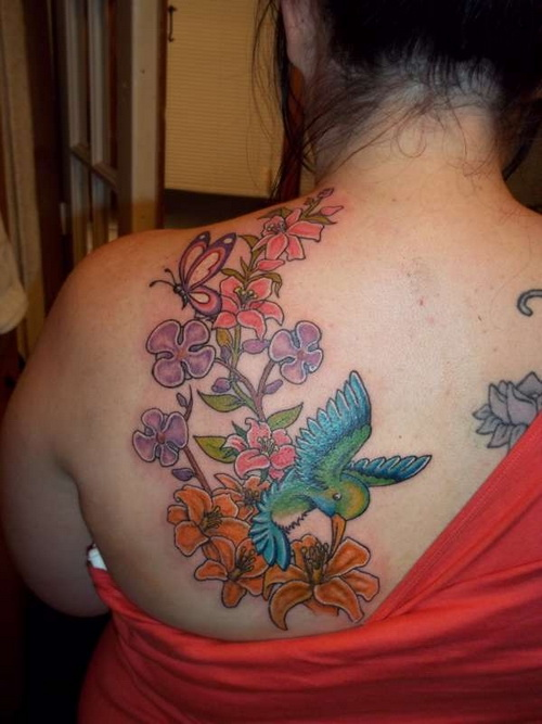 Adorable Feminine Tattoo Design On Back Shoulder For Girls