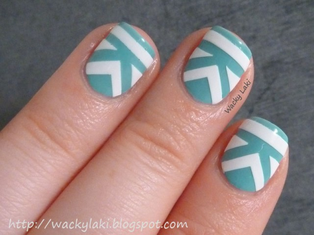 Awesome Design With Blue And White Color Acrylic Short Nail Design