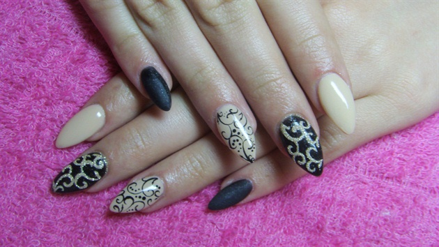 Best Black And Beige Nail Art With Plant With Sparkling Ink Design