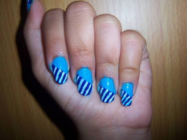 Best Blue Nail With Lining Design Blue Nail Art