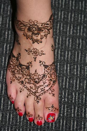 Best Ever Henna Tattoo Design On Foot For Women