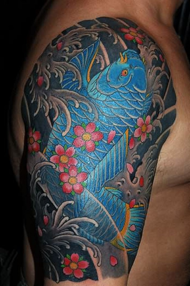 Best ver Traditional Japanese Koi Fish Tattoo On Right Shoulder For Boys