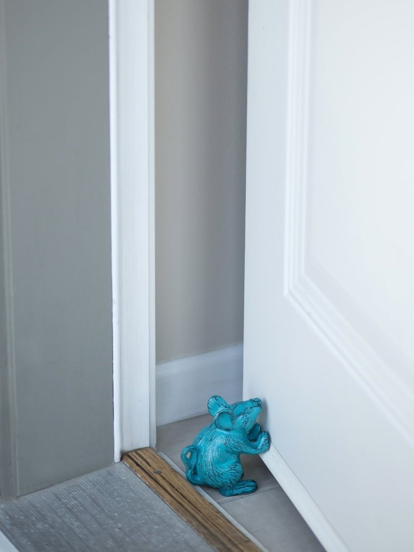 Cast Iron Mouse Decorative Door Stop 002