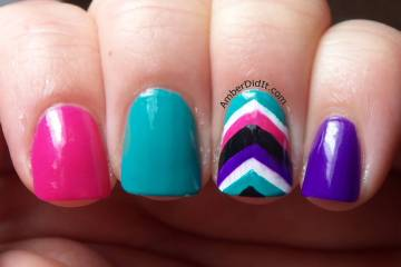 Colorful Nail Paint With 9 Color Stripes Accent Chevron Nail Art