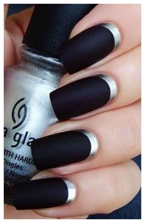 Fabulous Black Matte Nails With Inner Silver Color Lining