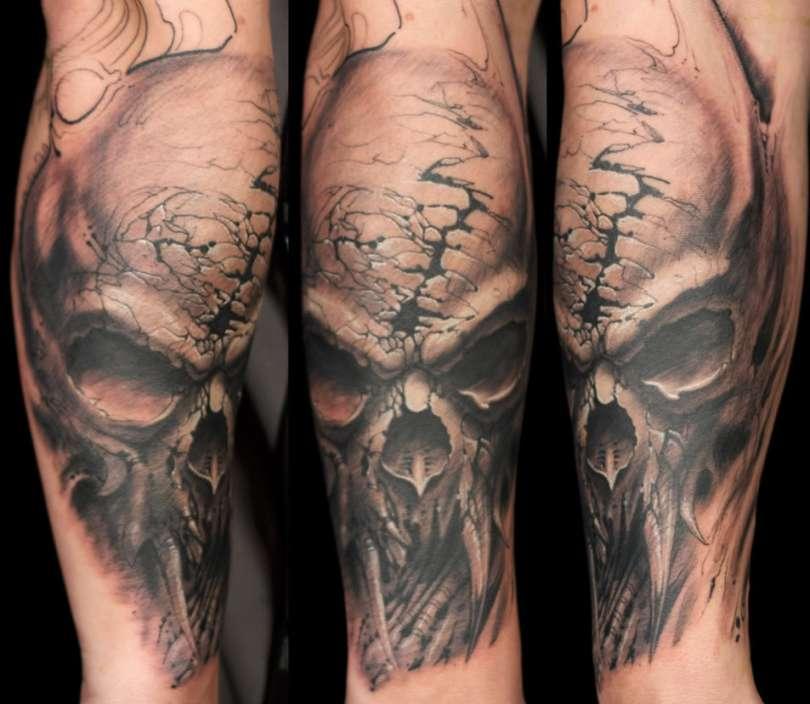 Fantastic Armor Skull Horror Tattoo Design For Girls
