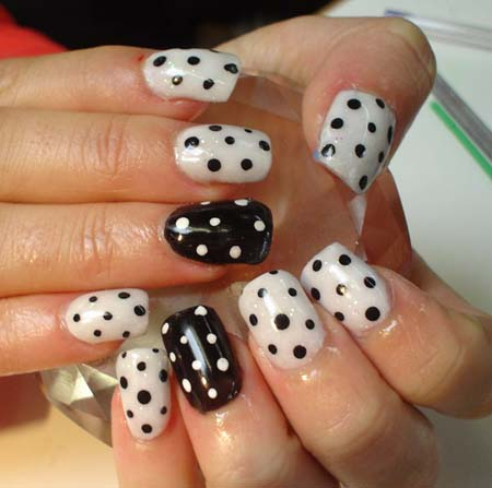 Fantastic Black And White Polka Dot Nail Art With Most Side With Black