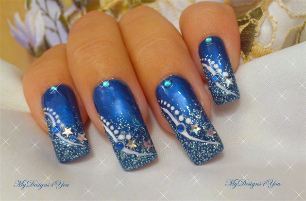 Fantastic Blue Nail With White Dot Design