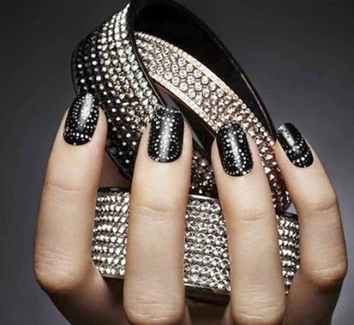Fantastic Dotted Designs With Bangles Black And White Nail Art