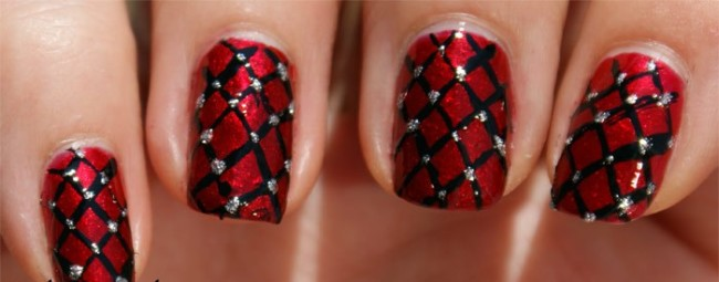 Fantastic Red And Black Nails With Cross Lining Design