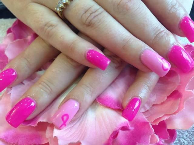 Fantastic Sparkling Pink Nail Pink Acrylic Nail Art Design