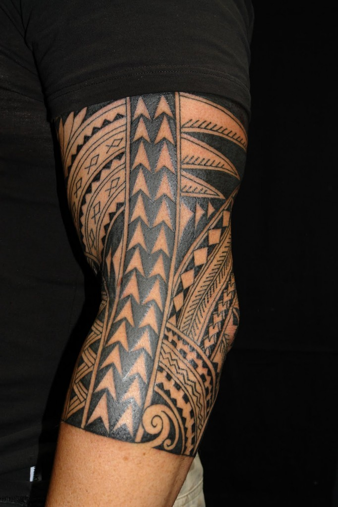 Great Tribal Hawaiian Tattoo On Elbow For Boys