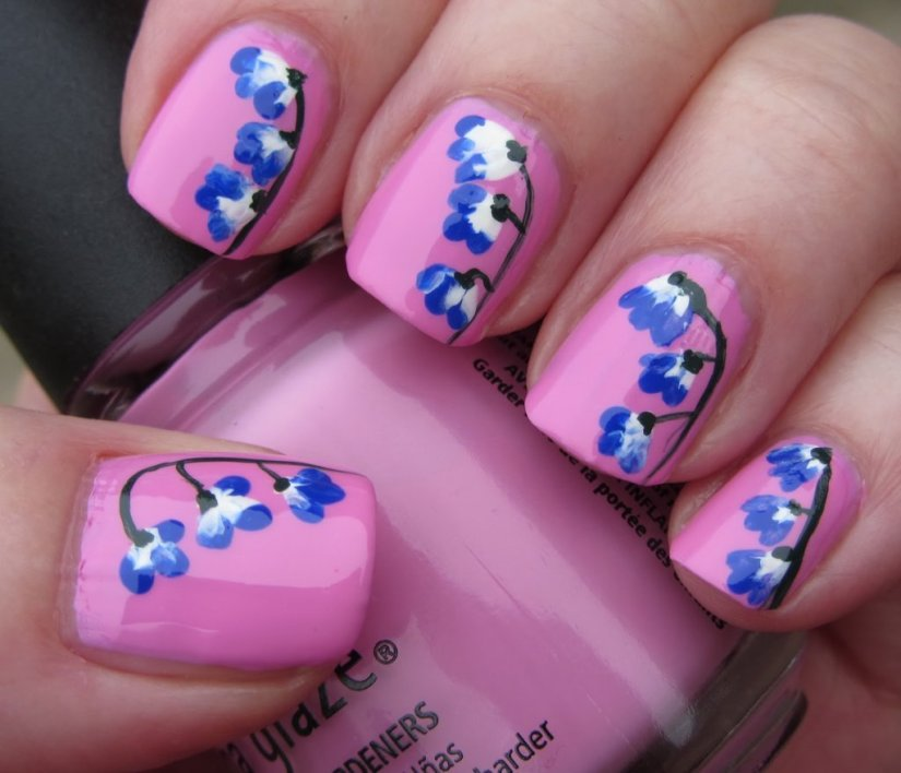 Greatest Blue Nail With Flower And Pink Nail