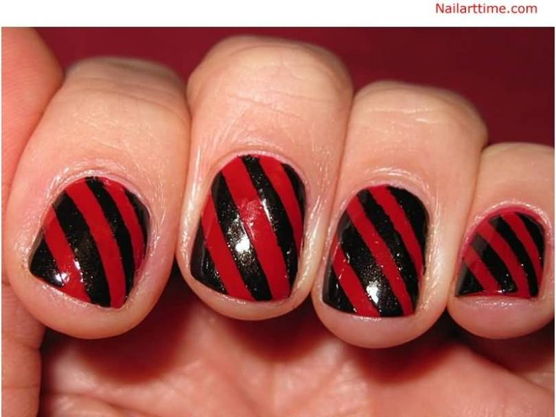 Greatest Red And Black Nails With red Lining Design
