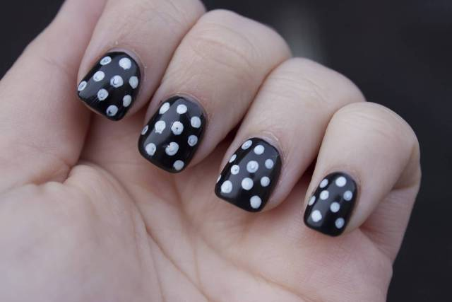 Incredible Black And White Polka Dot Nail Art With Short Nails