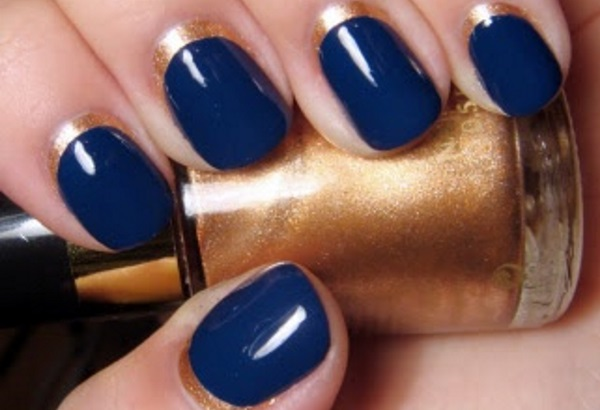 Incredible Blue Nail With Dark Color