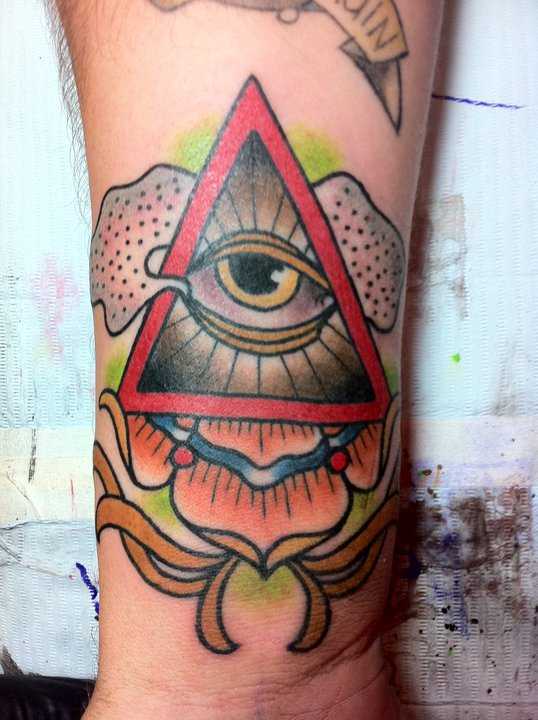 Maori Eye Tattoo Design For Boys Arm