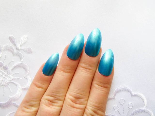 Most Fabulous Blue Color Almond Shaped Acrylic Nail Art