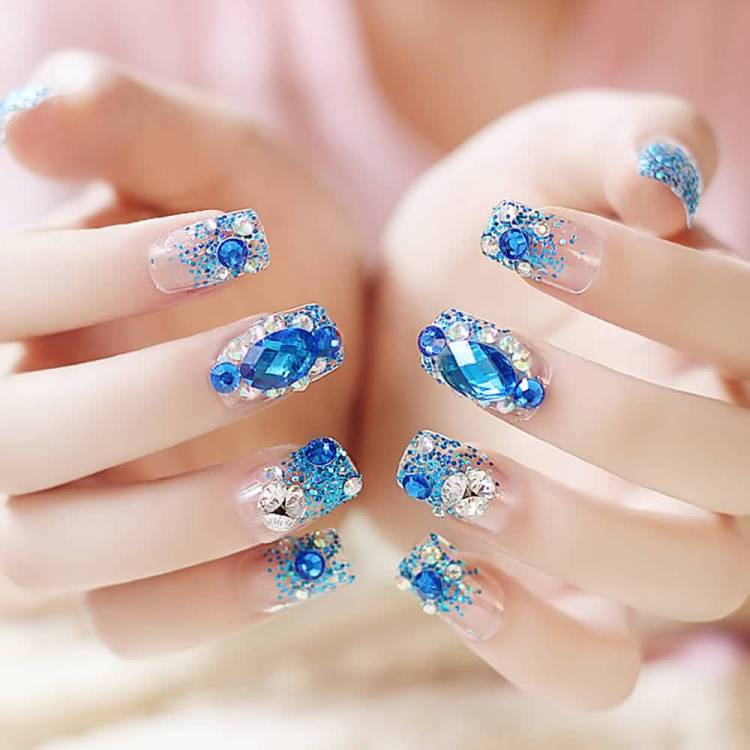 Most Unique Diamond Nail Paint 3D Rose Flower Nail Art