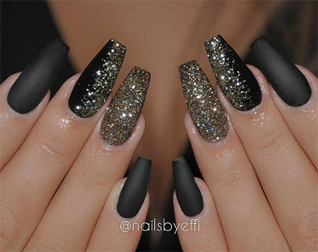 Phenomenal Black Nail Art Design With Silver Sparkling