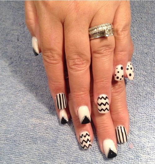 Stunning 3 Black And White Nails Design On Fingers
