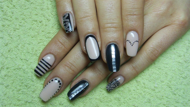 Stunning Black And Beige Nail Art With Black Color Lining Design