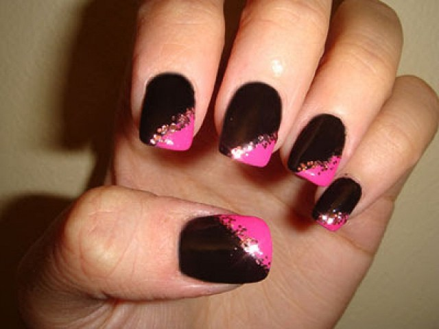 Tremendous Black And Pink Nails With Pink Nail And Golden Design