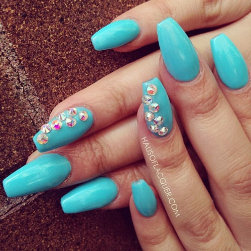 Tremendous Blue Nail Art With Crystal Design
