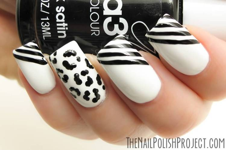 Trendy Tiger Zebra Print With Lining Black And White Nail Art