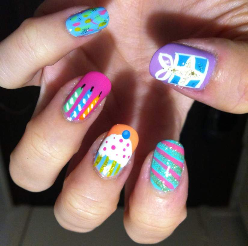 Very Great Gift And Candles Birthday Nails