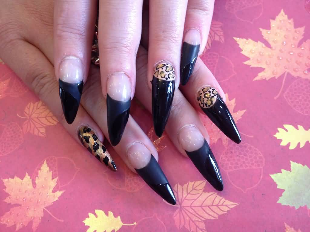 Wonderful Stiletto Nails With Golden And Black Nail Design