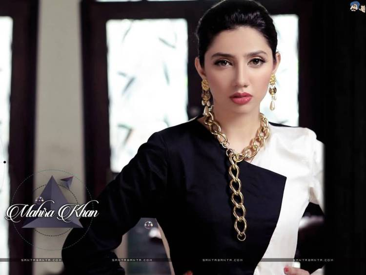 fantastic wallpaper of Mahira Khan Wallpaper