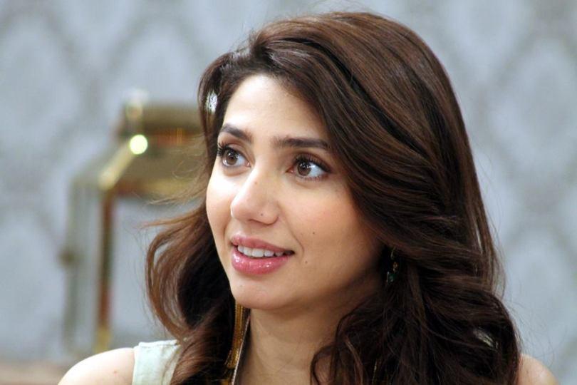 sweet photo of mahira khan