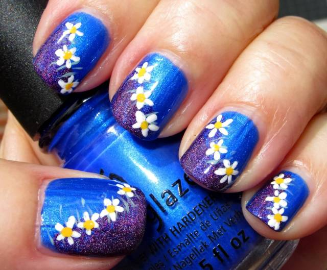 Amazing Flower Design With Blue Nails
