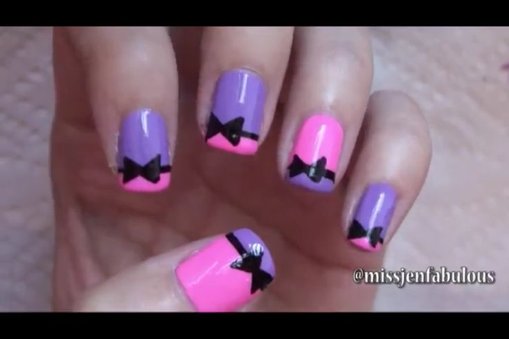 Dashing Bow Nails With 2 Colors