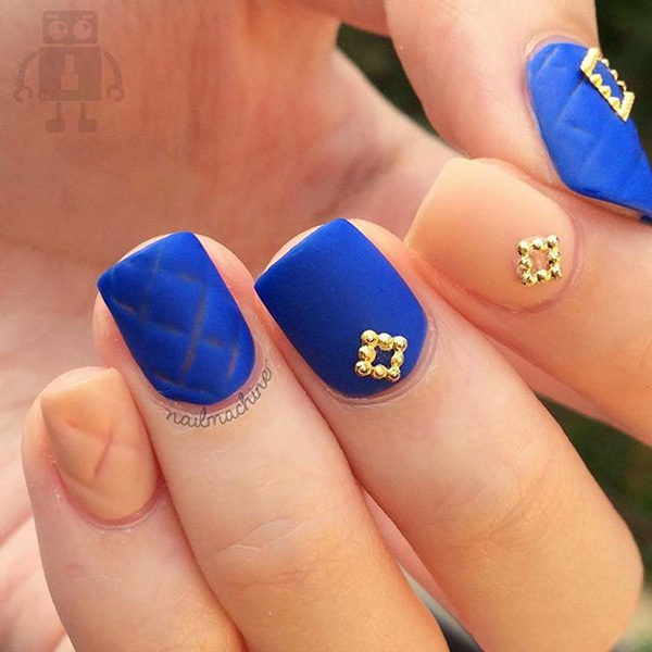 Nice Blue Nails With Pink Nail