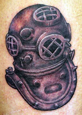 Attractive Diving Helmet Tattoo On Back shoulder for Guys