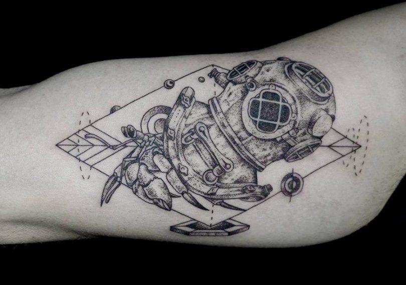 Terrific Diver Tattoo On ARm