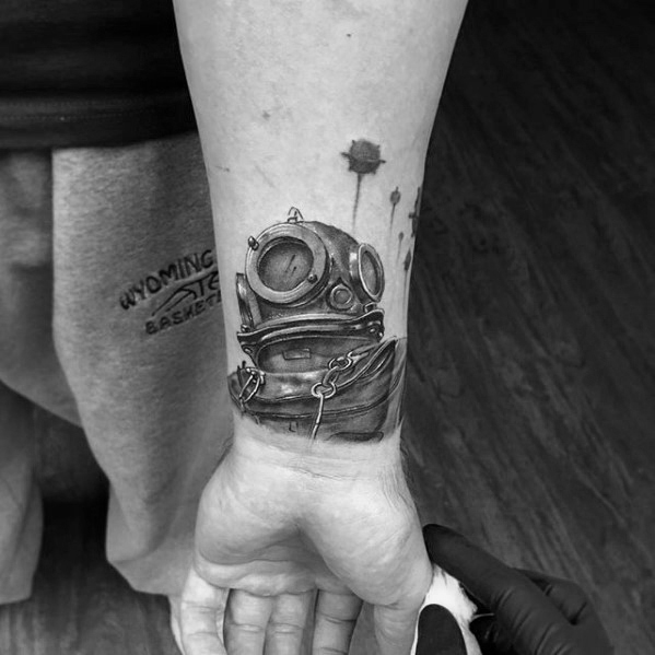Coolest Diving Helmet Tattoos On hand for men