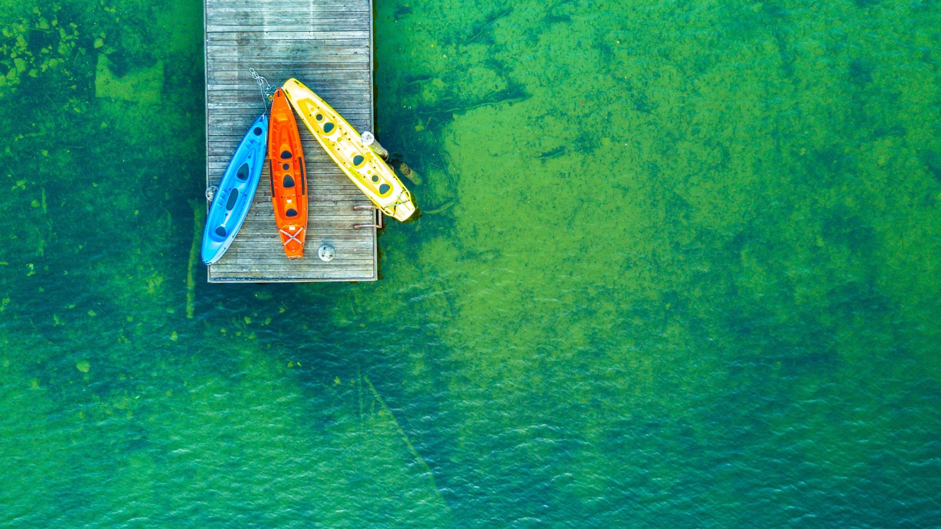 Iphone 6 Holiday Wallpaper Desktop Wallpaper Green Lake Boats Aerial View Holiday