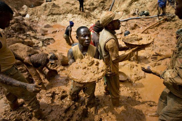 Hindari Ekploitasi Berlebihan, Pemerintah Kongo Jaga Ketat Gunung Emas - SINDOnews