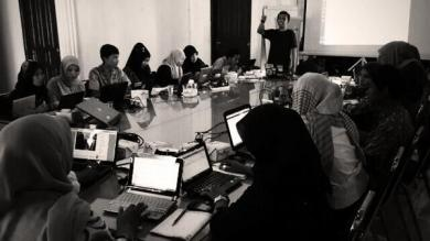 social media campaign workshop for NGO HAM Aceh by ICT Watch