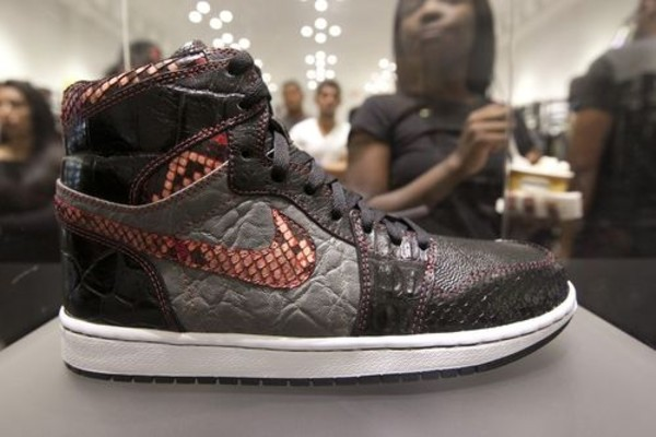 Shoes nike snake skin elephant skin  Wheretoget